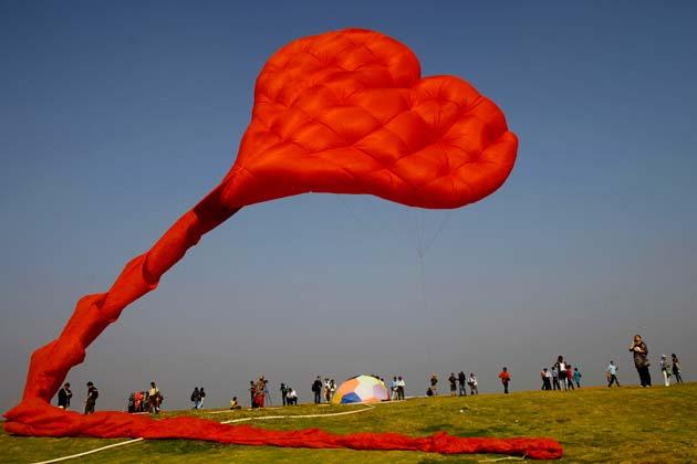 International Kite Festival Mumbai - image courtsey ibnlive
