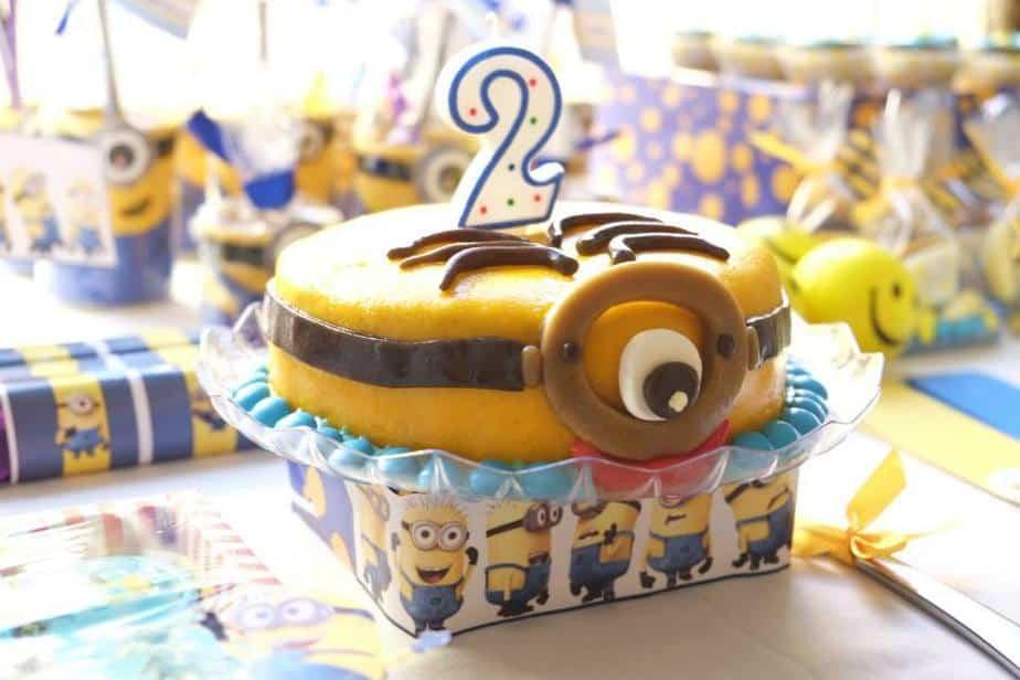 minion birthday cake design