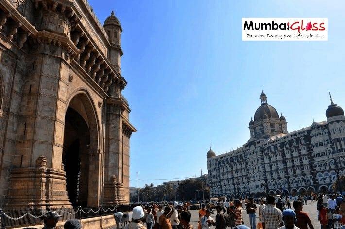 Gateway of India and Taj Mahal Palace hotel in Mumbai